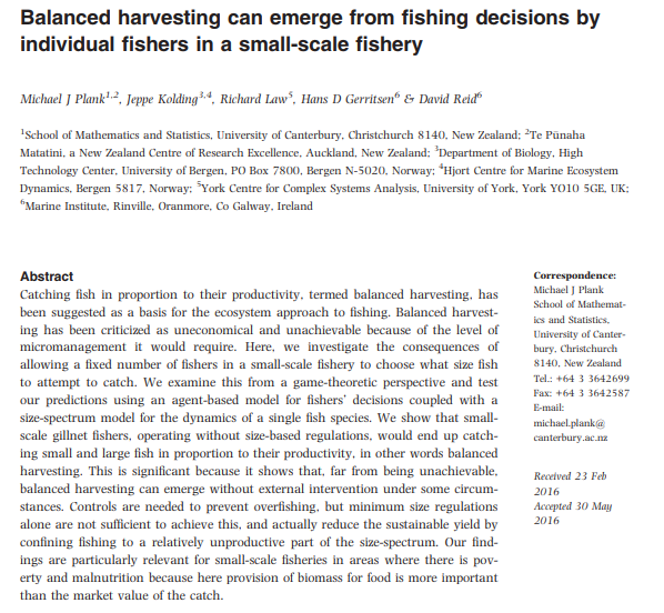 Balanced harvesting can emerge from fishing decisions by individual